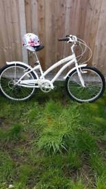 Apollo tropic 24 inch bike with shimano gears