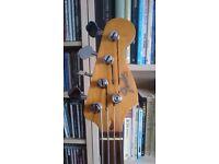 Jazz Bass: Active not Fender