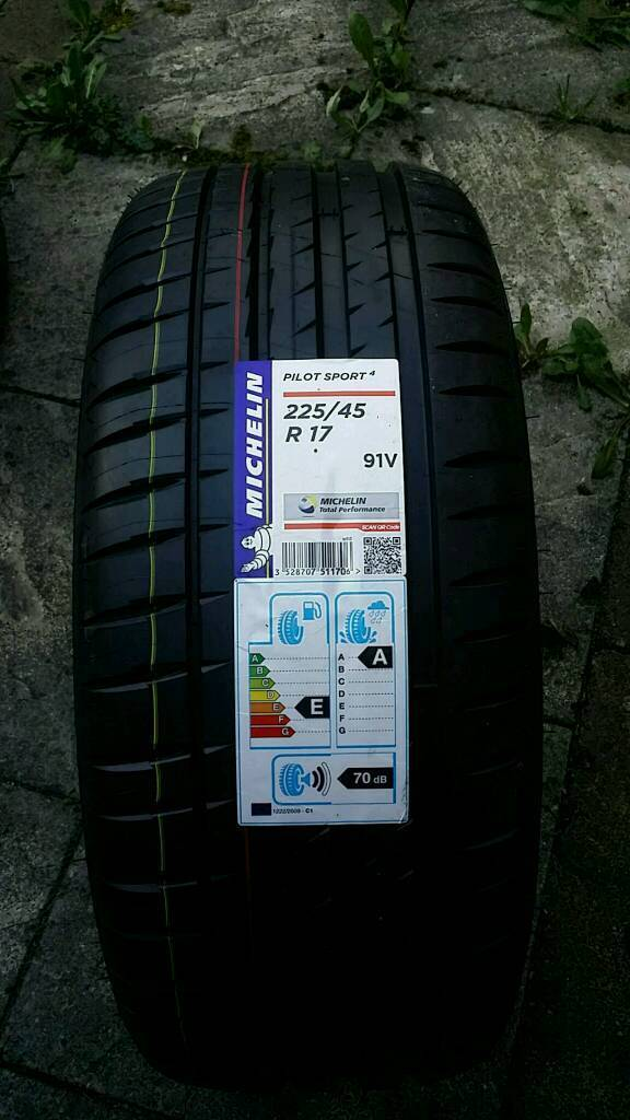 michelin pilot sport 4 225 45 17 91v in bolton manchester gumtree. Black Bedroom Furniture Sets. Home Design Ideas
