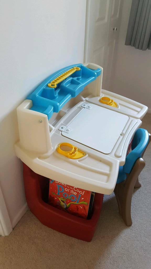 Little Tikes Drawing Table In