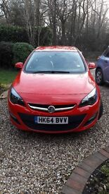 Astra 1.4l low milage 9 months warranty remaining. Full dealer service history