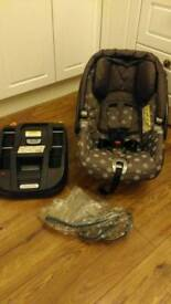 Mama's & Papa's car seat, isofix base and rain cover, fits on m&p prams