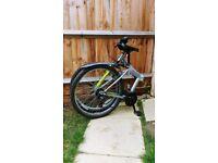 Folding mountain bike - Ideal for commuting!
