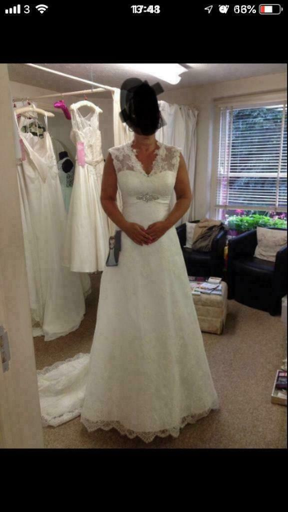 e1107c9f5fc91 Beautiful White Rose wedding dress for sale | in Norwich, Norfolk ...