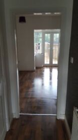 Spacious, Large Room with an Ensuite to immediate rent in a friendly family house!