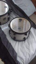 Mapex mars bonewood drum kit , rock fusion sizes . Comes with all hardware and carry cases