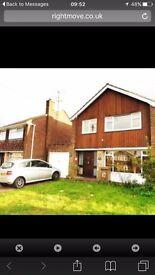 LOVELY 3 BEDROOM DETACHED HOUSE NEAR M1