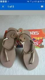 Havaianas flip flops size 6-7