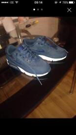 Nike air max kids size 2