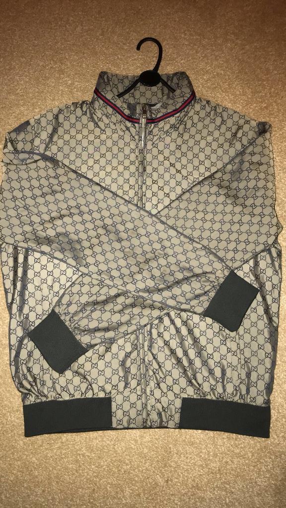 766cc3e53 100% authentic Gucci  GG supreme  jacket