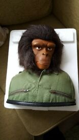 Planet Of The Apes Limited Edition Collector's Item Bust Boxed 14 Discs