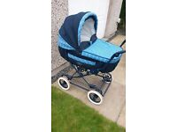 Britax Italian Collection 3 in 1 Pram with matching bag and parasol