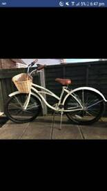 Ladies Beach Cruiser bike as new