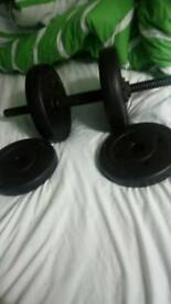 Weights/dumbbell with 2x 2kg weights and 2x 1.25 kg weights