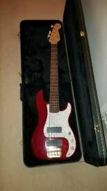 Squier Pro Tone 5 string Precision P Bass
