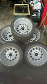 "Weller Wheels 13"" × 10"""