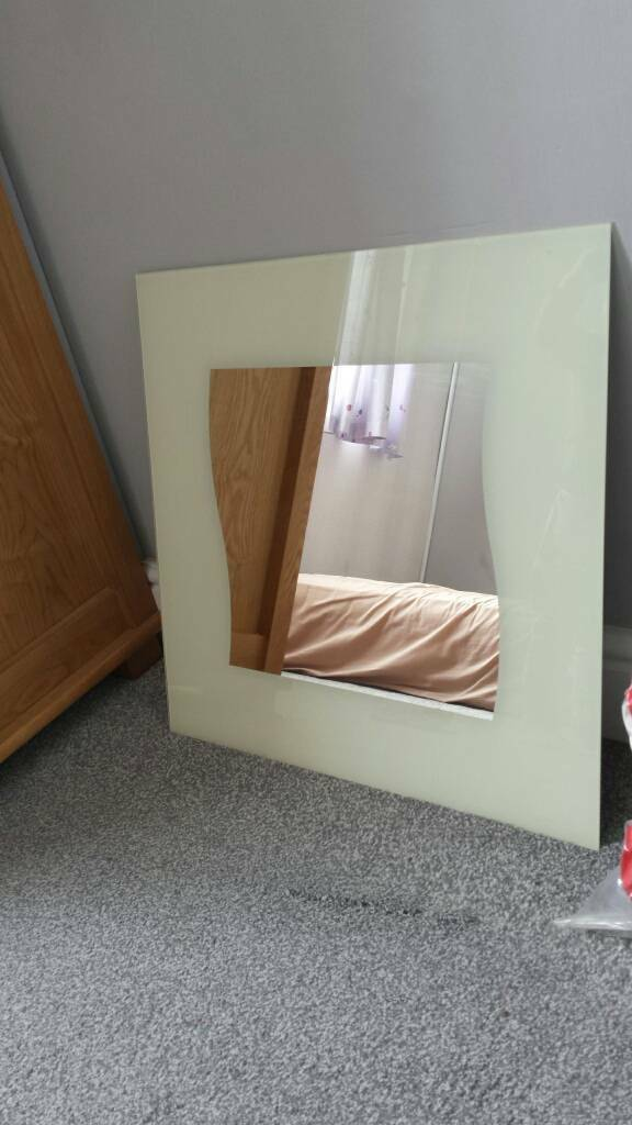 Wall mirror 52×52cm