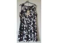Joe Browns Black and White print dress in size 18, brand new with tag