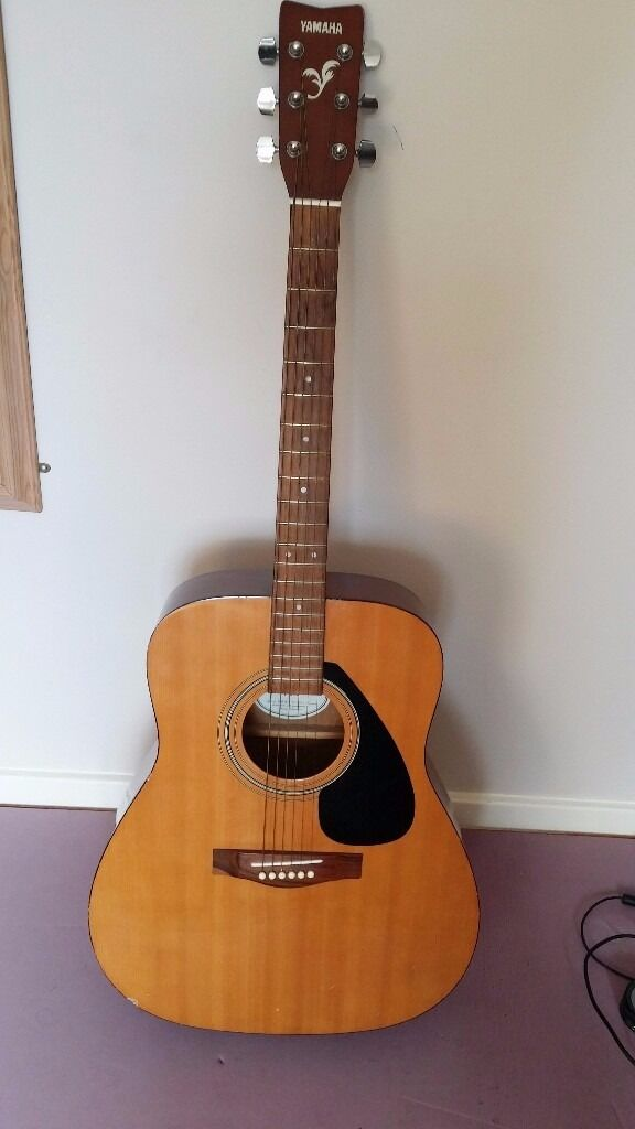 Yamaha Full Size Acoustic Guitar