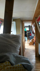 Rustic 72' narrow boat built 1852 for rent on Thames in Oxford; 6 mos + lease; suit prof./post-grad.