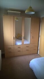 Monday to Friday Room to Let in Hampton