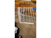 Baby Stair Gate - white adjustable and removable parts - size see photos