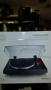 Audio- Technica AT-LP3 Fully Automatic Belt-Drive Turn Table #53497 (JY122483)