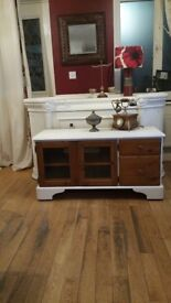 BEAUTIFUL SOLID PINE WOOD TV CABINET NAS NEW