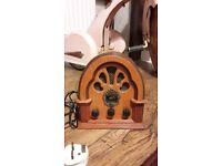 Wooden vintage radioin fab working order