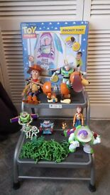 LARGE TOY STORY BUNDLE WOODY,BUZZ,SLINKY VARIOUS FIGURES, INTERACTIVE ROCKET TENT IN BOX NEVER USED