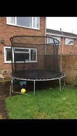 10ft trampoline & enclosure