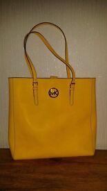 MK Micheal Kors designer handbag for women big beautiful yellow high street bargain no swap
