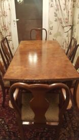 Queen Anne style 1950s figured walnut dining suite