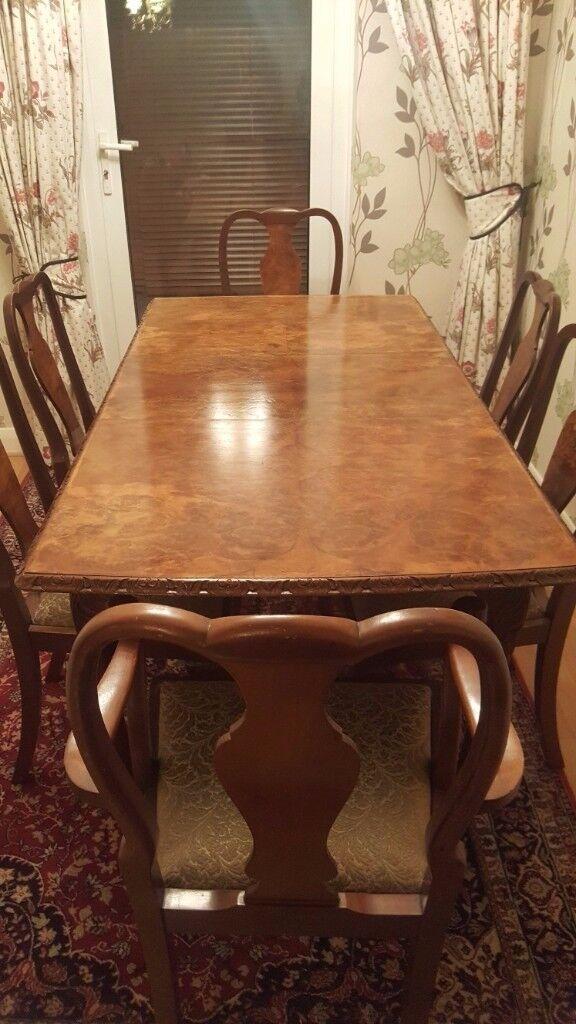 Queen Anne style 1950s figured walnut dining suite