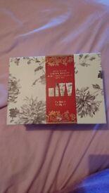 Laura ashley Royal bloom mini indulgence gift set