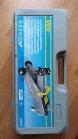 Kinzo Hydraulic floor car jack