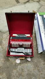 Accordion Hohner 72 Bass