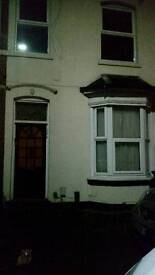 2 bed flat to let in Broad Rd Acocks Green B27 7ux