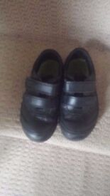 Light Up Clarks Boys School Shoes Size 9 Good Quality