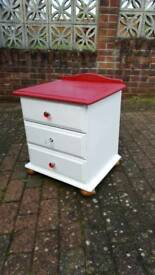 Chest of 3 drawers / bedside cabinet table pine wood