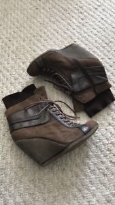 Size 8 - Brown lace up wedge booties