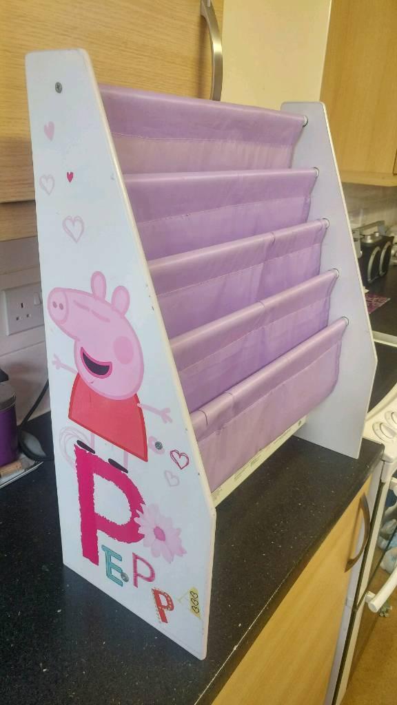 Peppapig book case