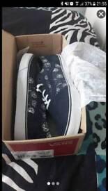 Ladies Dandilion suede shoes