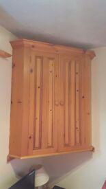 Pine corner unit £30