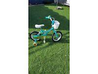 Girls 3+ apollo bike fantastic condition