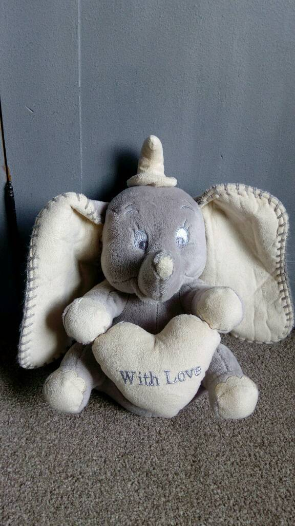 Dumbo cuddly toy