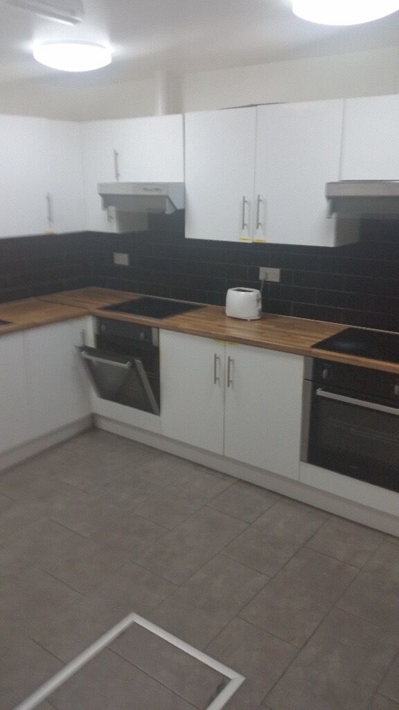 BRAND NEW & SPACIOUS STUDIO FLAT NEXT TO CHADWELL HEATH STATION.*RENT INCLUDES WATER BILLS*