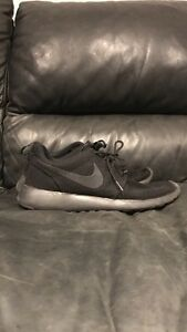 All black Nike Roches  Oakville / Halton Region Toronto (GTA) image 1