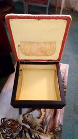 Retro sewing box/stool