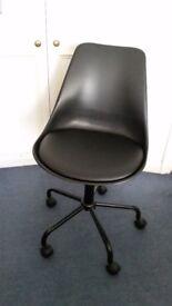 Used Brady Mid Back Gas Lift Office Swivel Chair (Black)